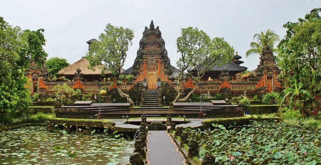 How do I get from Denpasar airport to Ubud